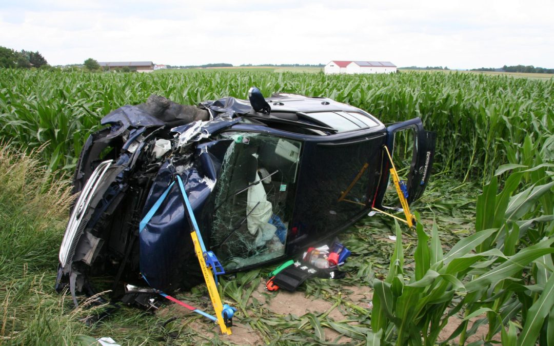 Schwerer Verkehrsunfall mit mehreren Fahrzeugen