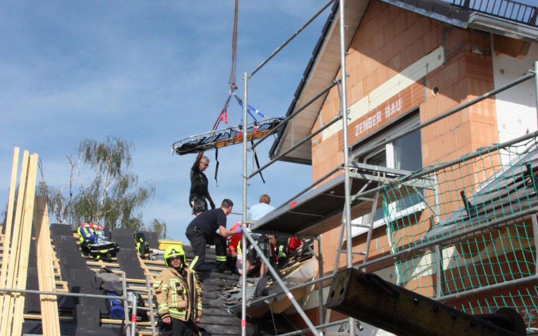 Arbeitsunfall sorgt für Feuerwehreinsatz