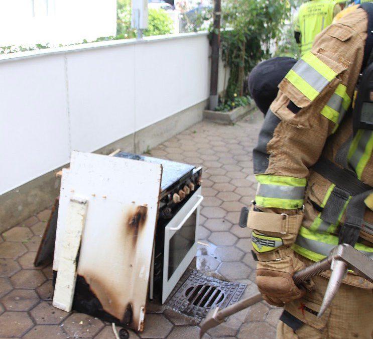 Brennender Ofen sorgt für Feuerwehreinsatz